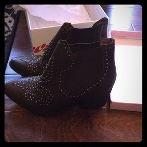 NWT Jeffrey Campbell booties, size 10